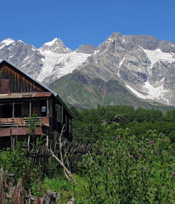 фото _ Восхождение на Бурджулу в Грузии с планомБ