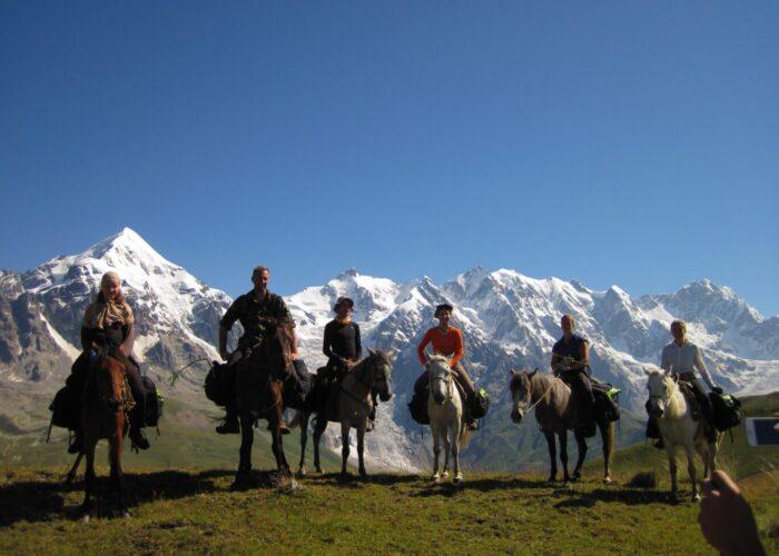 фото - поход по Грузии с лошадьми и планомБ