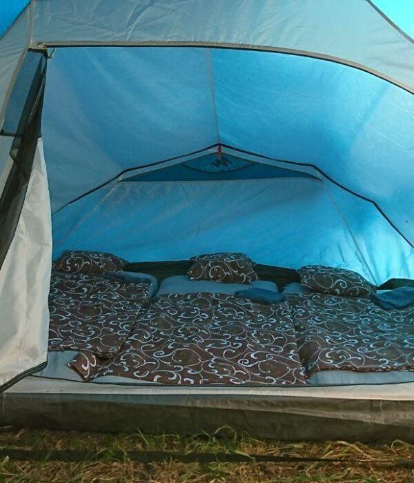 фото_спальные места в 3-х местной палатке